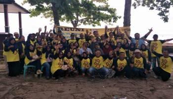 26 Tahun Berpisah, Alumni SMA YPK Toboali Reuni di Pantai Nek Aji