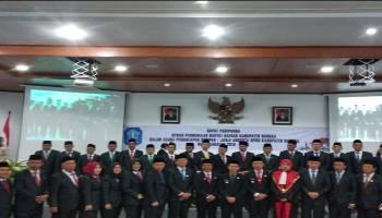35 Anggota DPRD Bangka Dilantik, Bupati Ajak Seiring Sejalan