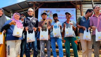 5 Tahun Penantian, Ratuasan Warga Muallaf Dusun Pohin Akhirnya Dapat Daging Qurban