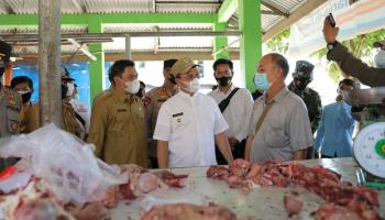 Antisipasi Kelangkaan Daging, Gubernur Erzaldi Laksanakan Operasi Pasar di Muntok