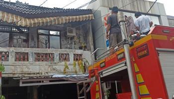 Api Mengamuk di Pasar Muntok, Satu Ruko Tak Bisa Diselamatkan