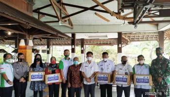 Bantu Pemerintah Cegah Covid-19, El John Indonesia Bagikan 4.200 Masker