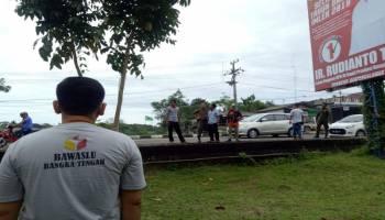 Banwaslu Bangka Tengah Tertibkan 61 Alat Peraga Kampanye Melanggar Aturan