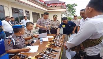 Bawa Senpi, Polisi Juga Harus Punya Surat Izin