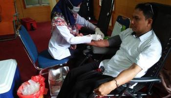 Bawaslu Babel Sumbang 20 Kantong Darah ke PMI