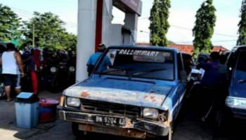 BBM di Toboali Langka, Premium Rp12 Ribu per Liter