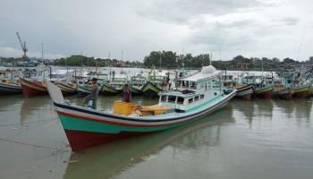 Begini Kondisi Kapal Haji Mang Setelah Tersambar Petir