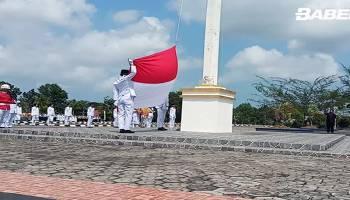 Bendera Merah Putih Sempat Terlepas Saat hendak di Bentangkan Ini Videonya
