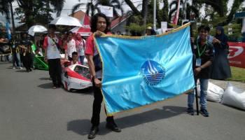 Bendera UBB Berkibar di Pembukaan Kompetisi Mobil Hemat Energi