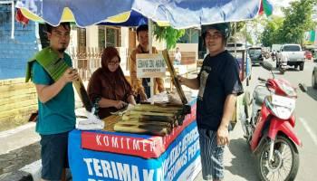 Berkah Ramadhan Bagi Penjual Lemang