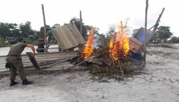 Beroperasi Dekat Jembatan Penghubung Desa Lampur-Munggu, Puluhan TI Rajuk Dibakar Tim Gabungan