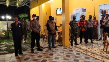 Bersama Dengan Tim Gabungan, Koramil 0413-6/Sungailiat Lakukan Patroli Penegakan Disiplin Kesehatan Covid-19