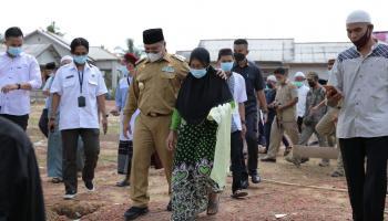Bertemu Gubernur, Ibu Subaidah Setuju Rumahnya Dibangun Masjid