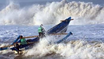 BMKG: Gelombang Laut Selat Karimata Mencapai 4,0 Meter