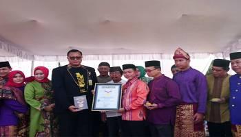 Bolu Kojo Muharam di Kenanga Dapat Penghargaan Rekor Terbesar dari MURI