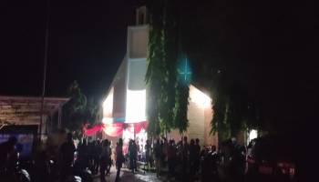 Breaking News : Ibadah Misa Di Gereja Stella Marris Toboali Lancar.