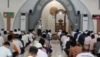 Bupati Bangka Ajak Jamaah Masjid Agung Ikut Vaksinasi Covid-19