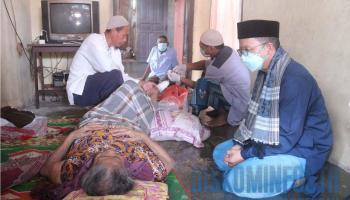 Bupati Bangka Tengah Sambangi Warganya yang Sedang Sakit