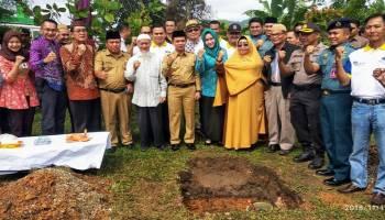 Bupati Mulkan Letakan Batu Pertama Pembangunan Tugu Monumen Ketok Palu