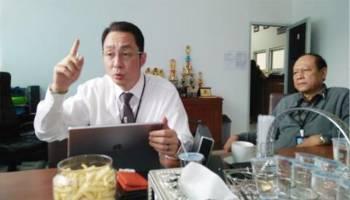 "CEO Singatin Beri Beasiswa kepada Mahasiswa UBB, David Wong: Itu Amanah Ibu Saya!"""
