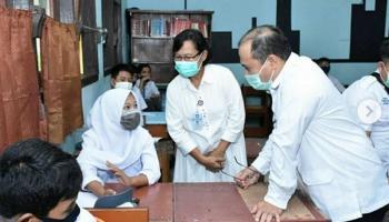 Cita-cita Jadi Pengusaha, Siswi SMK di Belitung Dapat Laptop dari Gubernur Erzaldi