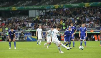 Copa America 2019: Pinalti Messi Selamatkan Argentina dari Kekalahan