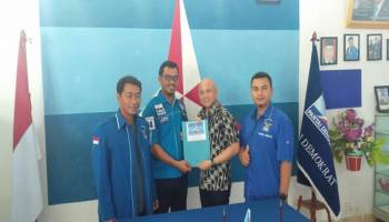 Datangi Kantor DPC Demokrat Bateng, Didit Srigusjaya Ambil Langsung Formulir Pendaftaran Calon Kepala Daerah.