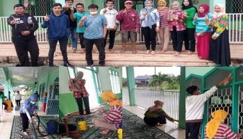 Daya Motor Sungailiat, Gelar Aksi Bersih - bersih Masjid Nurul Izza