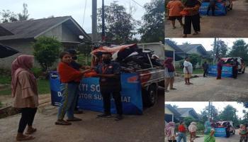 Daya Motor Sungailiat Silaturahmi dengan Bagi-Bbagi Sembako di Desa Air Ruay