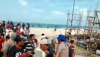 Demo Nelayan Tolak Tambang Diwarnai Aksi Kejar-Kejaran