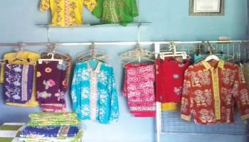 Desa Simpang Katis Mengembangkan Potensi Batik Pakkis