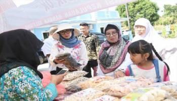 Ditanya Makanan Halal, Istri Gubernur Babel Nyatakan Produk Beredar di Babel Wajib Sertifikasi Halal
