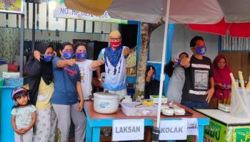 DM#27 Roadshow Ramadhan, HNX Bersama FTPC Bagi Nasi Kotak dan Masker ke Masyarakat Pangkalpinang