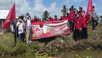DPC PDI Perjuangan Gelar Aksi Bersih Sungai dan Tebar 4.000 Ekor Bibit Nila