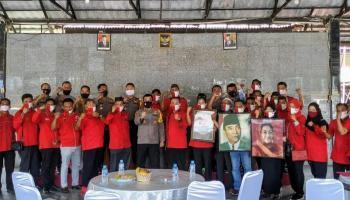 DPC PDIP Bangka Datangi Mapolres Bangka Untuk Beri Dukungan Usut Tuntas Pelaku dan Dalang Pembakaran Bendera Partai