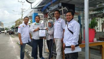DPD APKLI Kota Pangkalpinang Salurkan Bansos Sekaligus Tampung Aspirasi Para PKL
