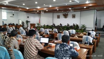 DPRD Bangka Gelar Paripurna Penandatanganan Dua Nota Kesepakatan