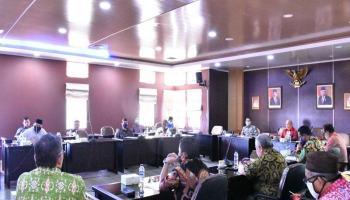 DPRD Gelar Rapat Banmus Bahas Aktivitas Pendidikan Jelang New Normal dan Program Bibit Lada
