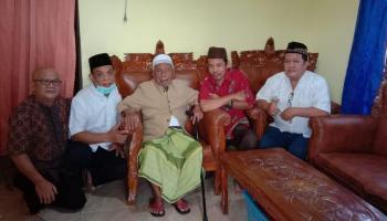 DPW Lemtari Ngandun ke Rumah Para Tokoh Babel, Dapat Doa dari KH Usman Fattan