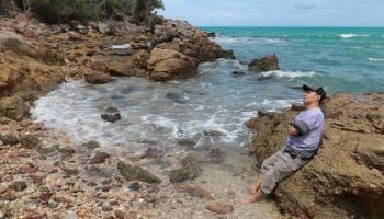 Dua Pantai Ini Tak Kalah Indah Dengan Pantai Punggur, Lokasinya Berdekatan Loh!