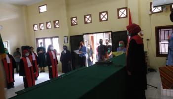 Enam Orang Calon Hakim Dilantik di Pengadilan Agama Koba
