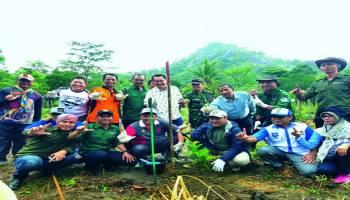 Erzaldi Ajak Hijaukan Mangkol