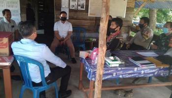 Forkopimcam Bersama Tim Gugus Tugas Covid-19 Gelar Monev di Posko Tanjung RU Desa Bakit