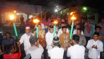 Foto-foto Pawai Obor Akbar 3.000 Culok Ramadhan 1439 H di Dusun Daya Baru, Desa Air Belo, Muntok