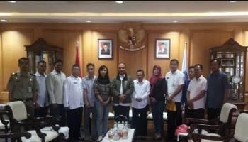 Gaji Tak Kunjung Dibayar, 12 Mantan Karyawan Dealer Mobil Ngadu ke Gubernur