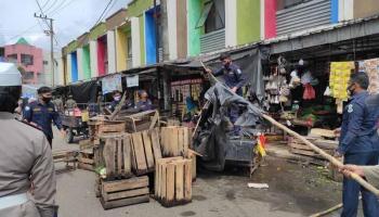 Ganggu Lalu Lintas, PKL di Pasar Induk Pangkalpinang Ditertibkan