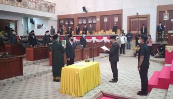 Gantikan Aditya Rizki, DPRD Babel Ambil Sumpah Jabatan Edy Junaidi Foe