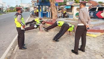 Gegara Lima Menit, Lima Personel Satlantas Kena Hukuman