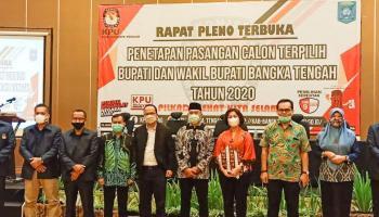 Gelar Pleno, KPU Bateng Tetapkan Algafri Rahman-Herry Erfian Sebagai Bupati dan Wabup Terpilih