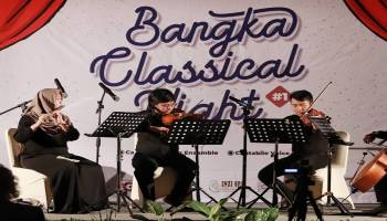 Gesekkan Biola Bangka Classical Night Pukau Ratusan Penonton